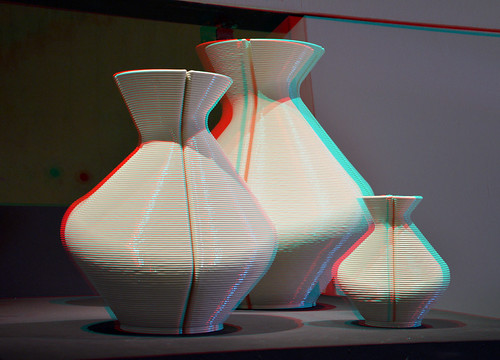 Changing vase by Dirk vander Kooy 3D