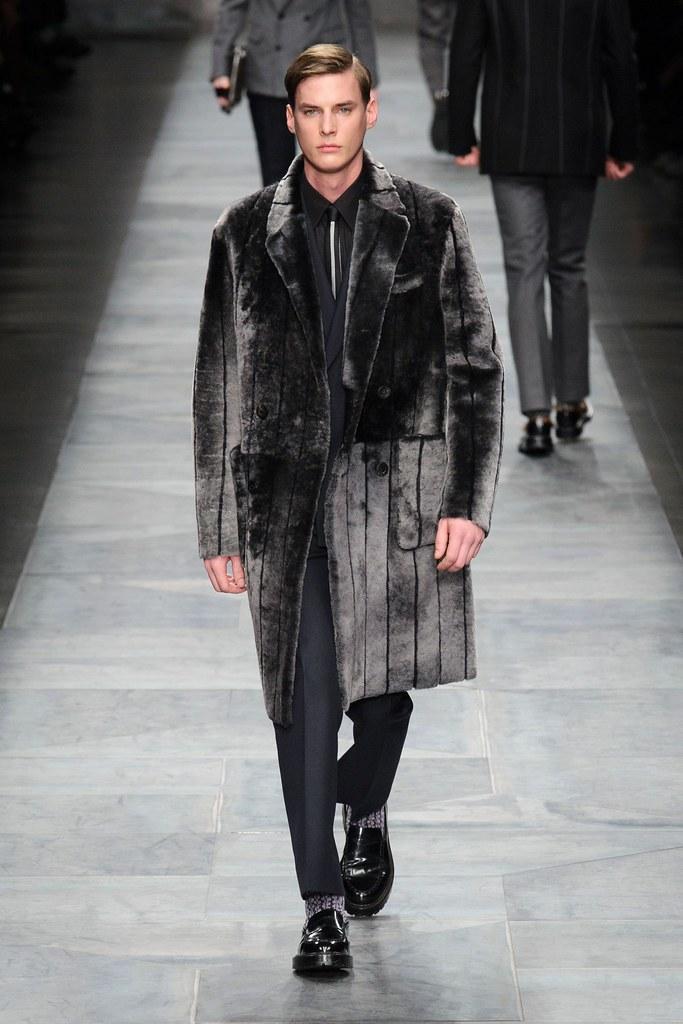Tim Meiresone3166_2_FW15 Milan Fendi(fashionising.com)