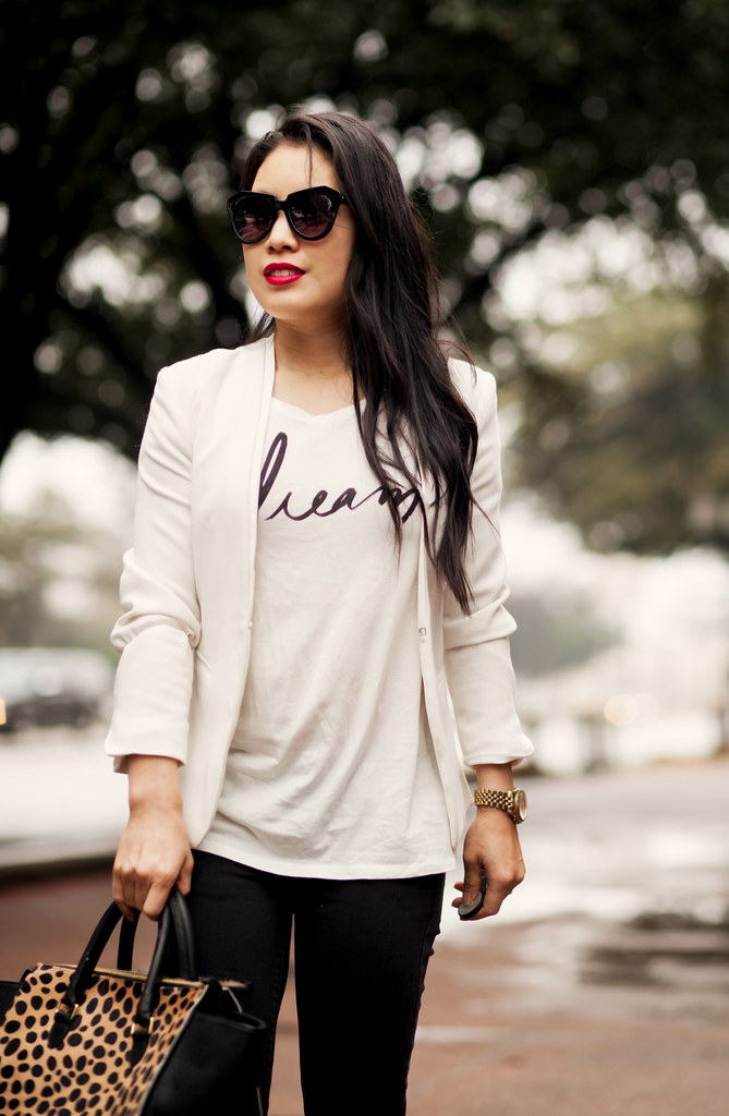 cute & little blog | petite fashion | monochrome white blazer, graphic print tee, black distressed jeans, louboutin decollete, clare v leopard sandrine satchel, hourglass icon red lipstick outfit