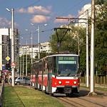 Der T6A5-Zug 4148/4149 verlässt die Haltestelle `ul. Dobrotich` und nähert sich dem Betriebshof `Krasna Polyana`