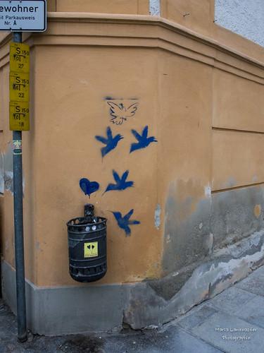 blaue Vögel mit Herz