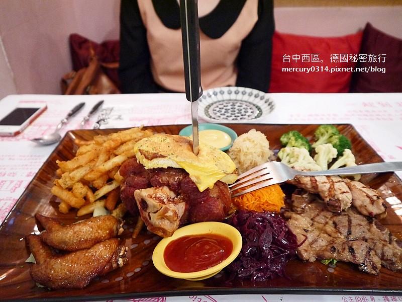 15874369142 d42f672245 b - 台中西區【德國秘密旅行】充滿德國風情與道地風味的特色餐廳,家庭聚會慶生午茶都很溫馨(已歇業)