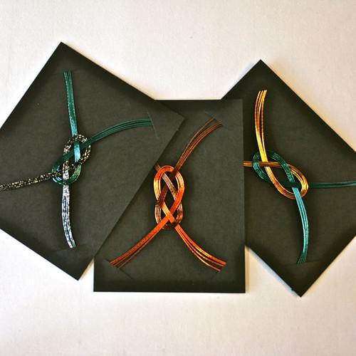 Metallic Mizuhiki Knots