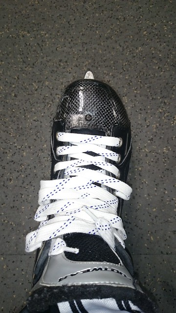 how to lace up
