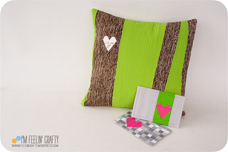 VdayPillow-withPostcards-ImFeelinCrafty