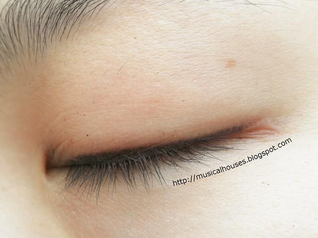 Clio Eyeliners Waterproof Pencil Eyeliner Eye Swatch
