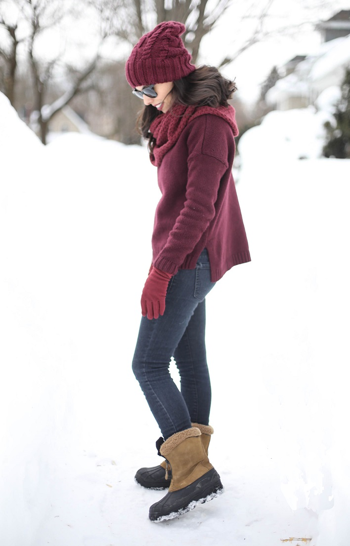 austin style blogger, casual winter look ideas, wine accent outfits