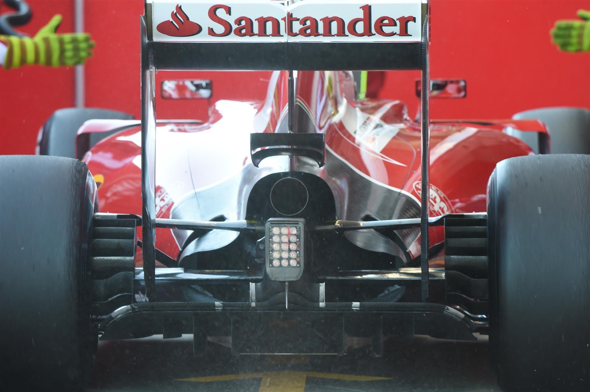 sf15t-rear