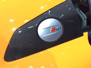 Audi-2015-R8-V10-plus--11