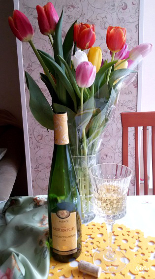 Тюльпаны и вино