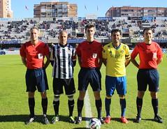 Trío arbitral y capitanes del FC Cartagena 1 Cádiz CF 3