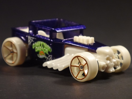 Halloween Hot Wheels 2014 Bone Shaker