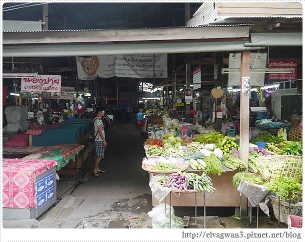 泰國-泰北-清邁-Somphet Market-Tip's Best Fresh Fruit Smoothie-市場-果汁攤-酸奶水果沙拉-燕麥水果優格沙拉-香蕉Ore0-泰式奶茶-早餐-12-593-1