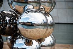 """""""El gran árbol y el ojo"""" (Tall Tree & the Eye) de Anish Kapoor"""