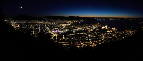 city light sunset sea sky urban panorama moon seascape colors beautiful beauty norway night canon eos evening abend licht photo scenery cityscape foto view nacht horizon tripod picture norwegen bergen aussicht scandinavia contrasts stad 6d