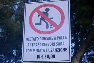 Noicattaro. Il divieto di via don Minzoni front