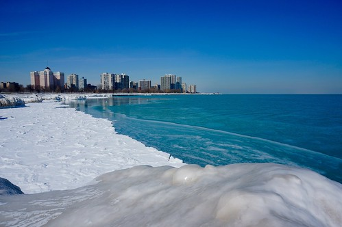 winter lake chicago ice beach sunny lakemichigan lakeshore lakefront fosterbeach winterwonderland iceformations chiberia