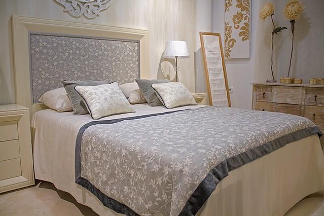 AionSur 16578014772_31957a90a4_z_d Colchas y edrenones con encanto Empresas Muebles Sarria