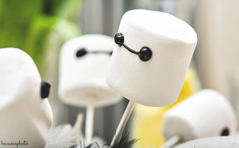 Baymax marshmallow pops Big Hero 6 party #BigHero6Release