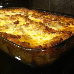 italian food, baked goods, moussaka, food, dish, cuisine, quiche, cottage pie, lasagne,