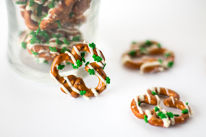 White Chocolate Shamrock Pretzels for last minute St. Paddy's Day fun