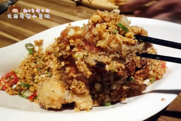 避風塘軟殼蟹 (1).JPG