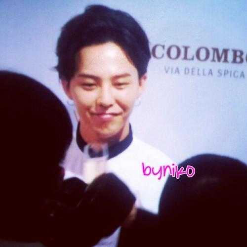 G-Dragon_HarveyNichols-COLOMBO_VIA_DELLA_SPIGA-HongKong-20140806 (47)