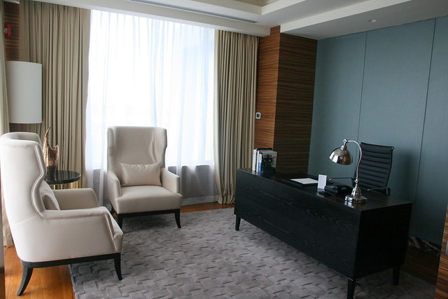 Business and meeting area in the Presidential Suite