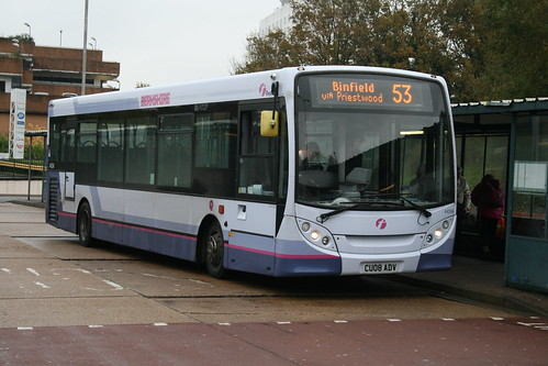 First Beeline 44504 on Route 53, Bracknell Bus Station