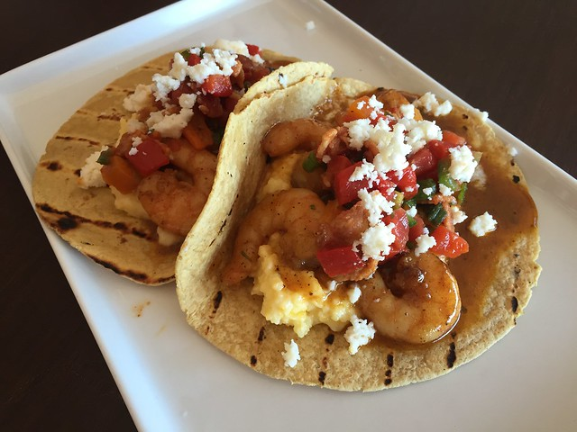 Bbq shrimp and grits tacos - Mama Knows