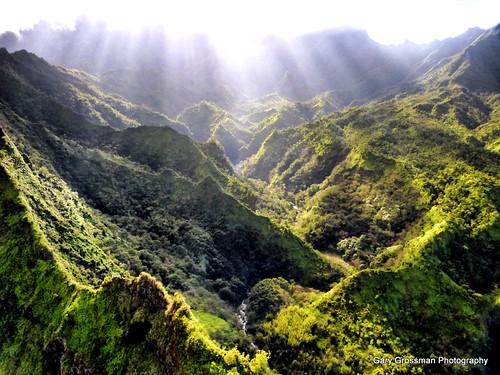 landscape volcano heaven crater kauai rays mtwaialeale godsrays garygrossmanphotography