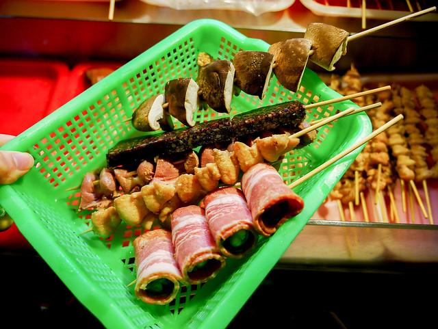苗栗 竹南–經典老牌烤肉攤–阿枝烤肉鹽酥雞