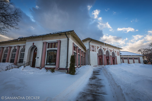 winter snow ny newyork wideangle upstate saratogasprings visitorscenter uwa canonef1635mmf28liiusm canoneos6d samanthadecker