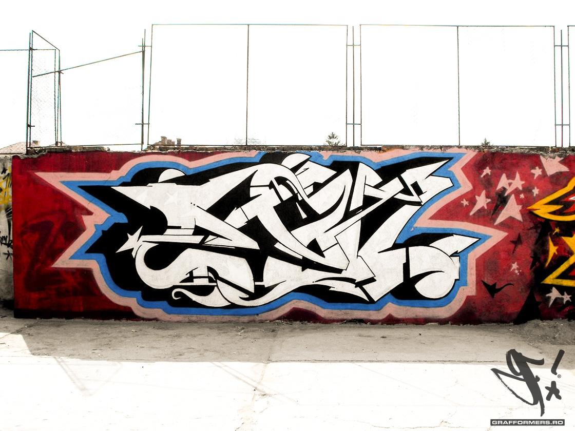 002-20090913-mihai_eminescu_national_college_yard_session_1-oradea-grafformers_ro