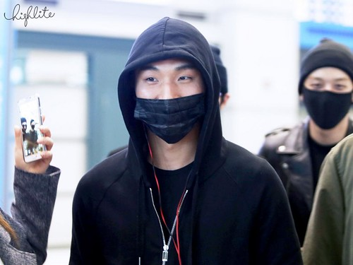 Big Bang - Incheon Airport - 10apr2015 - Dae Sung - High Lite - 04