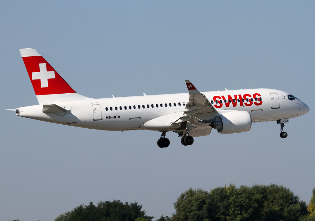 New aircraft type for me. Swiss' first CS100 on short final for RWY31L inbound from Zurich ZRH. Delivered 06/2016.