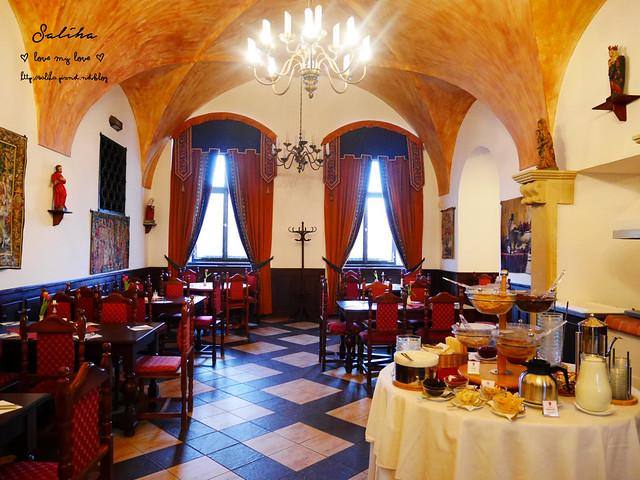 Hotel Ruze薔薇飯店Charming Hotel in cesky Krumlov中世紀扮裝晚餐-自助式早餐 (14)