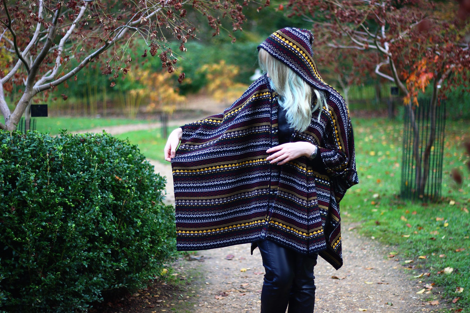 7britfash, fashion_blogger_style, blanket_coat, aztec_print, topshop, kate_spade, britfash