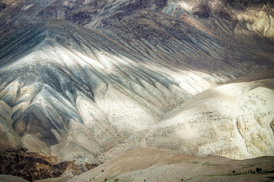 Склоны долины. Долина Нубра, Ладакх © Kartzon Dream - авторские путешествия, авторские туры в Индию, тревел фото, тревел видео, фототуры