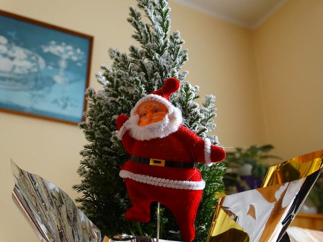 Kis karácsonyfa Mikulással 1