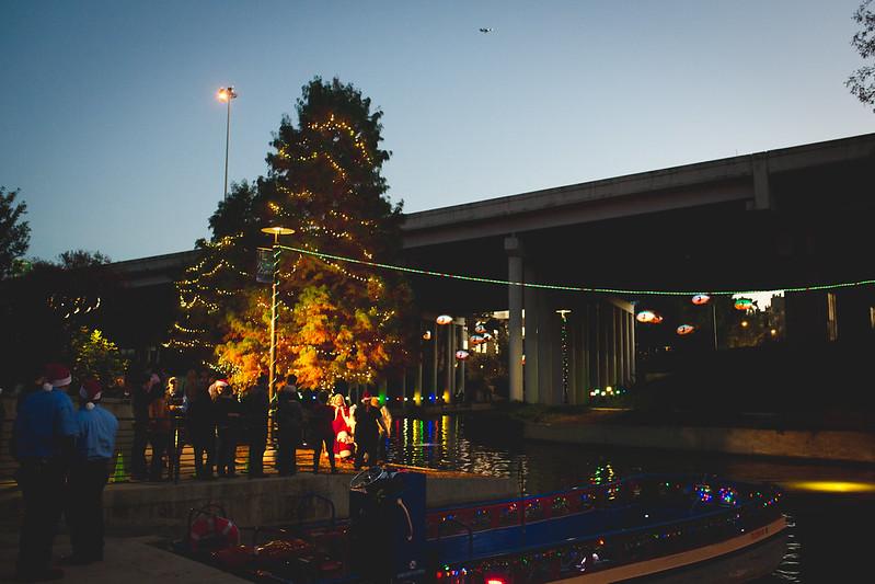 riverwalk lighting