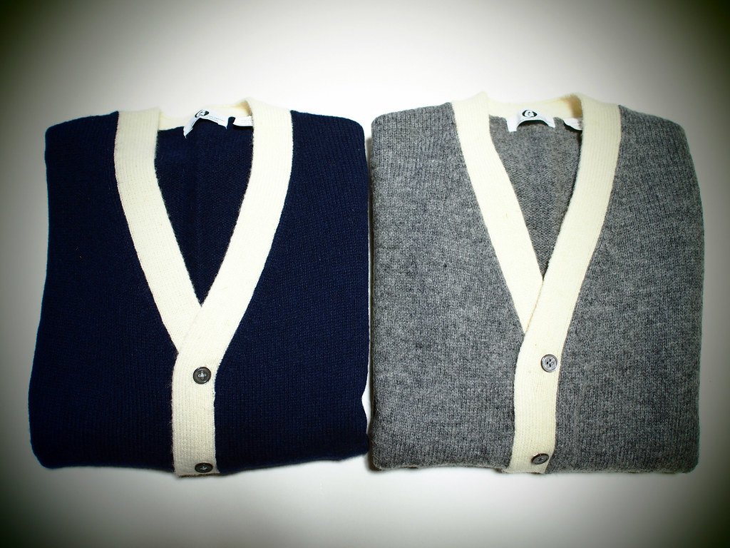 GOODENOUGH | Line Cardigan