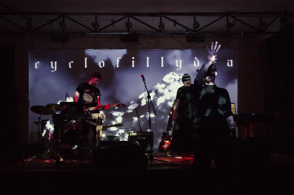 Cyclofillydea 01