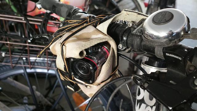 Bikehack: handlebar camera mount hack
