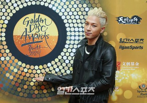 Taeyang-GoldenDisc-Awards-mainshow-20150114-Press-7