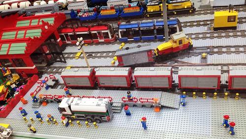 ausstellung exibition spielzeug lego baustein brick gebäude building bahnhof station train neunkirchen saarparkcenter saarland deutschland germany