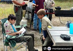 Explain, Demonstrate, Guide and Enable. Let #YoungLeaders teach younger #scouts. Bring them to #NYLT and #NAYLE. #LeadingEDGE  #EDGE #Repost @montanacouncil ・・・ Boys, books and the out of doors. Thanks Troop 26's William Smith for the photo!