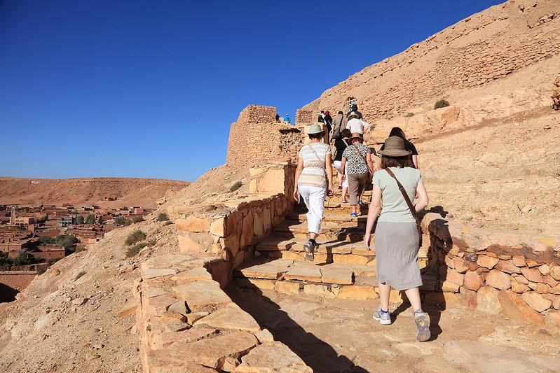Climbing Ksar Aït Benhaddou