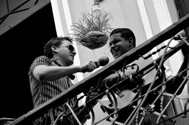 Música en balcones de La Habana