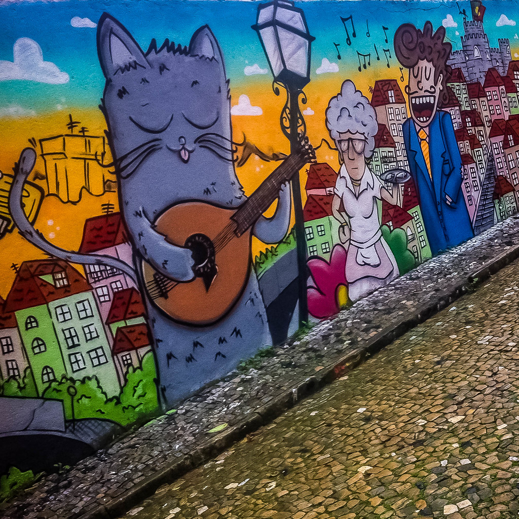 Street Art : Chat et Chanteur, Guitare et Fado
